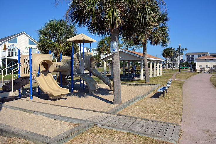 Carolina Lake park playground